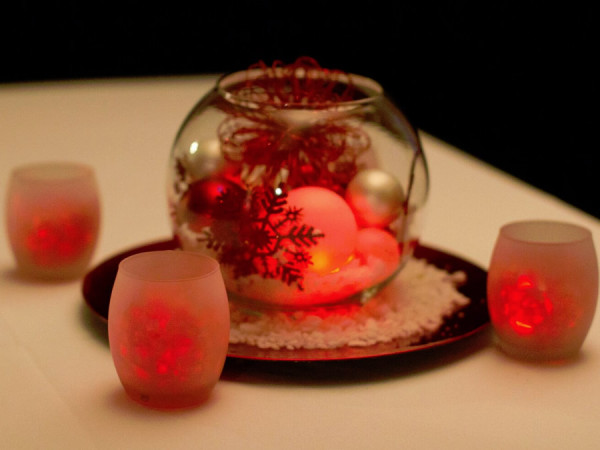 Red Holiday Round Vase with Votives