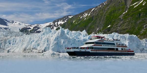 alaska-boating-glacier