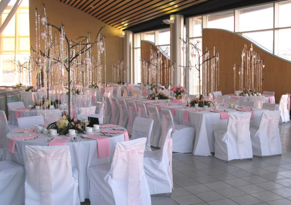 Linen centerpiece and decor rentals in Anchorage Alaska DMC