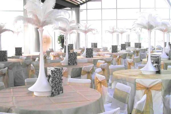 Elegant White Feather Extravaganza